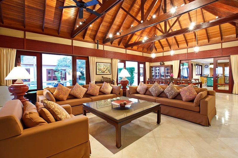 Miskawan Villa Lotus comfortable loungs