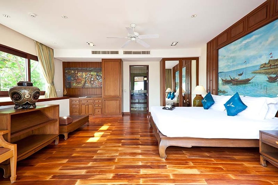 Miskawan Villa Lotus master bedroom