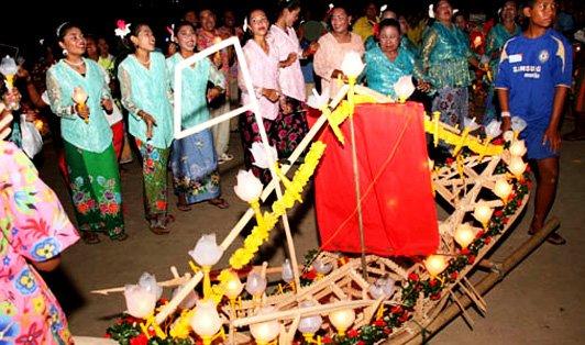 Loi Ruea Chao Le boat festival, Krabi
